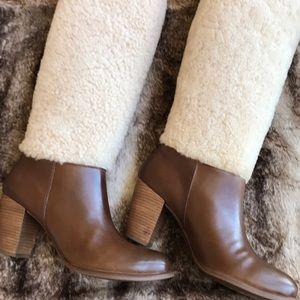 Beautiful Women's Exposed Fur UGG Boots